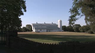 HD Farms & Countryside Country Barn 2