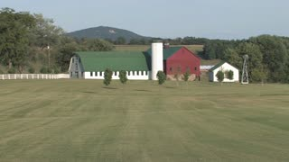 HD Farms & Countryside Country Barn