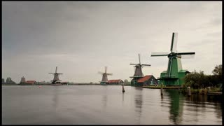 Holland, Three windmills in Zaanse Schans, Time lapse