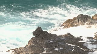 Huge Waves Crash into Rocks 2