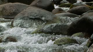 Iao Valley Slowmotion Water on Rocks