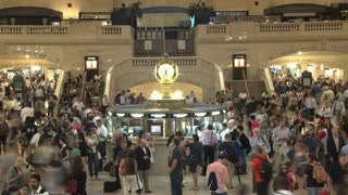 Large Crowd at Grand Central Station 11
