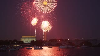 Lincoln Memorial Fireworks Spectacle