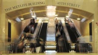 Metlife Building Escalator Traffic