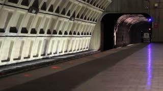 Metro Pulling In
