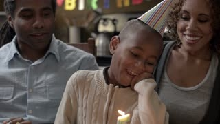 Modern Family: Birthday WS 1080p