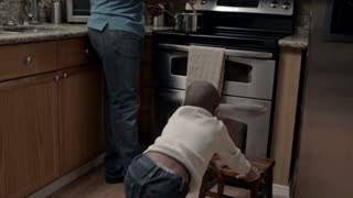 Modern Family: Cooking WS 1080p