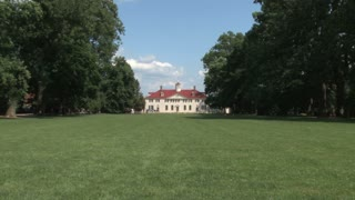 Mount Vernon from Front Lawn Zoom In 2