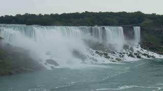 Niagara Falls Boats Timelapse
