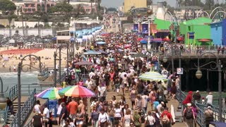 Overcrowded Santa Monica Beach Pier Time Lapse
