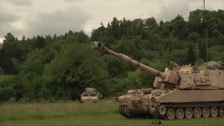 Paladin tank Firing gun