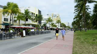Pedestrian Traffic On Ocean Drive