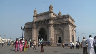People at Gateway of India