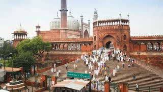 People leaving the Jama Masjid (Friday Mosque) after the Friday Prayers, Old Delhi, Delhi, India - Timelapse