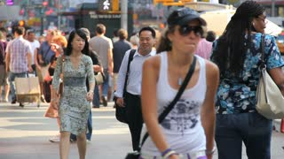 People Walking in NYC 4