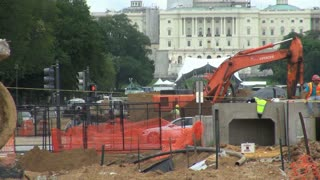 Shovel Digger Working in Front of Capitol 2