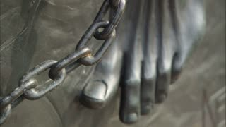 Slave Chains Monument