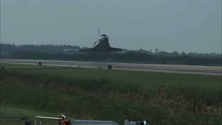 Space Shuttle Landing on Runway