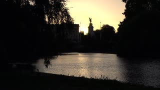 St James Park Pond with Victoria Memorial in the Distance