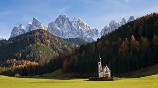 St Johann Church in Ranui in Villnoss, Geisler Spitzen (3060m), Val di Funes, Dolomites mountains, Trentino-Alto Adige, South Tirol (Tyrol), Italy, Europe