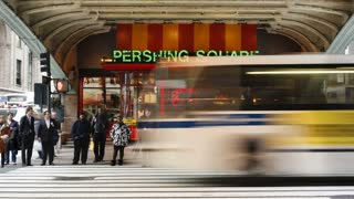 Street Crossing and Cafe on 42nd Street near Grand Central Station, Manhattan, New York City, New York, United States of America, North America, Time-lapse