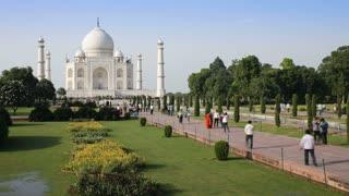 Taj Mahal Tourist Time Lapse 2