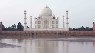 Time Lapse from Back of Taj Mahal