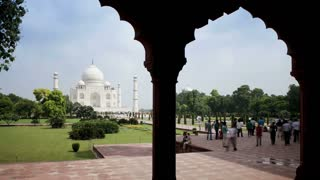 Taj Mahal Tourist Time Lapse