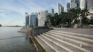 The Merlion Statue with the City Skyline in the background, Marina Bay, Singapore, South East Asia