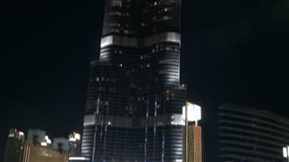 Tilt Up Burj Khalifa