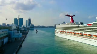 Timelapse of Cruise Ship Leaving Miami