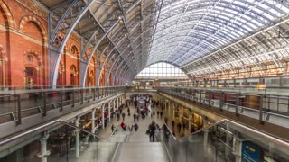 Timelapse Saint Pancras Train Station - London