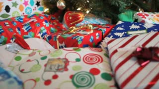 Track Along Christmas Presents