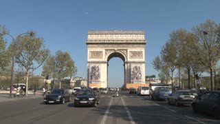 Traffic at the L'arc de Triomphe