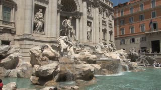 Trevi Fountain Zoom In