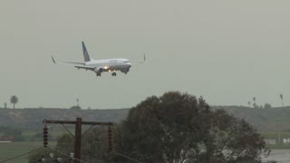United Plane Landing At LAX