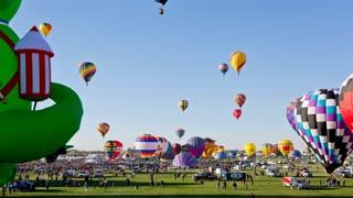 Albuquerque International Balloon Fiesta Mass Ascension Day Timelapse (Tilt Up)