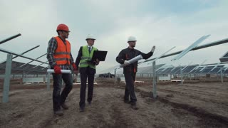 Engineers discuss building of a solar farm