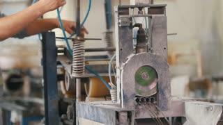 Plant for fiberglass reinforcement - producing composite rods