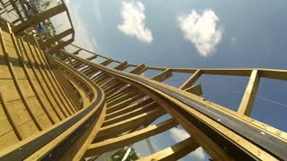 Wooden Rollercoaster POV from Front