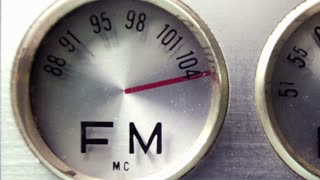 Zoom Out Radio Dials