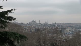 Zoom to Suleymaniye Mosque on Horizon