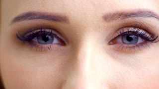 Eyes of Sexy Lady