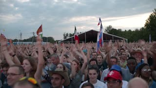 Croud claps hands of the Vikings in Iceland