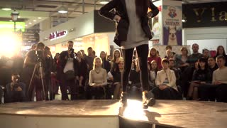 Fashion Bright Show Slender Young Girl Model Legs Walking On A Catwalk