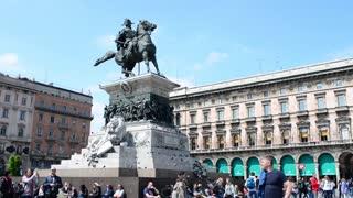 Monument Equestre A Vittorio Emanuele II - piazza Duomo, Milan