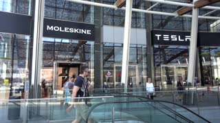 Milan business city center - Tesla cars salon - Piazza Gae Aulenti