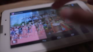 Viewing photose pictures on Digital Tablet - close-up