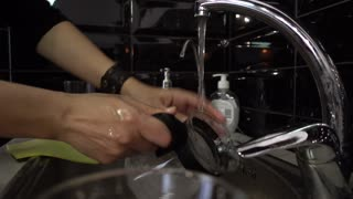 Washing dishes in the restaurant