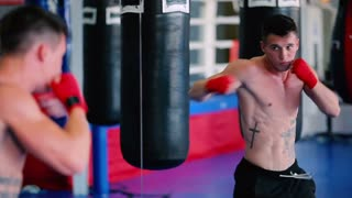 Boxer fulfills beats looking in the mirror